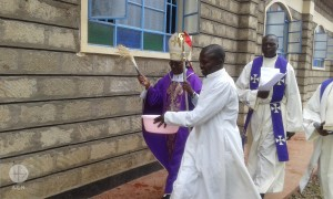 Mgr Anthony Ireri Mukobi blessing the new chruch, built thanks to the benefactors.