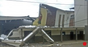 """Ecuador, Archdiocese of Portoviejo after the earthquake, 18.04.2016 Fr. Walter Coronel (priest at Ahuano in the province of Manabi) wrote to ACN and also sent these pictures showing the places Jama, Pedernales and and Canoa .: """" … This is a very dangerous situation in our province.The official information is that 477 people died – in Pedernales until now over 300 people died, in Jama almost 70 and in Portovirjo and Manta about 250 died. Many injured people are assisted on the squares. We don't know anything about small communities in the villages, we imagine huge damages. Many people along the road are asking for food, blankets and water.Almost all the temples and religious houses are almost completely destroyed or strongly damaged. Today we went with Archbishop Voltolini to see what is the situation, and comfort at least spiritually the people, the road is disrupted, and at points there is no passing, we had to do it phases to get there. The photo shows: Damaged church"""